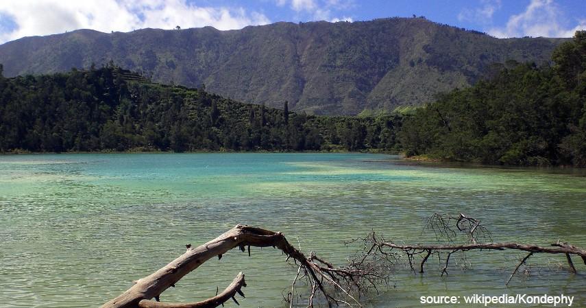 Telaga Warna - Deretan Wisata Pegunungan Dieng yang Dikenal Sebagai Negeri di Atas Awan