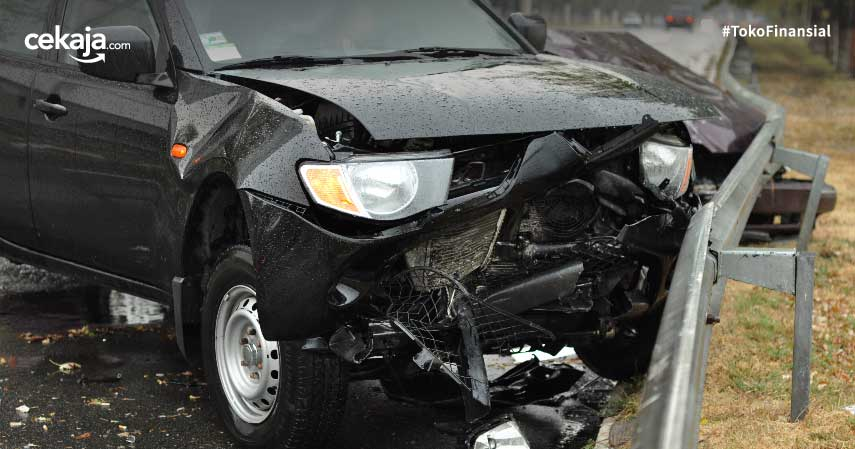 tips minimalisir kerugian kecelakaan mobil dengan cara ini