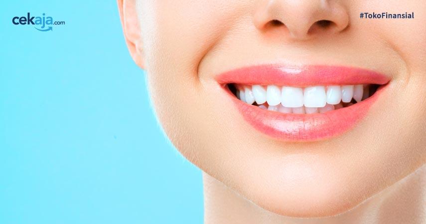 7 Cara memutihkan gigi secara alami