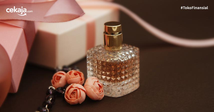 10 Merk Parfum Wanita Terbaik dan Terlaris Bikin Pria Terpesona