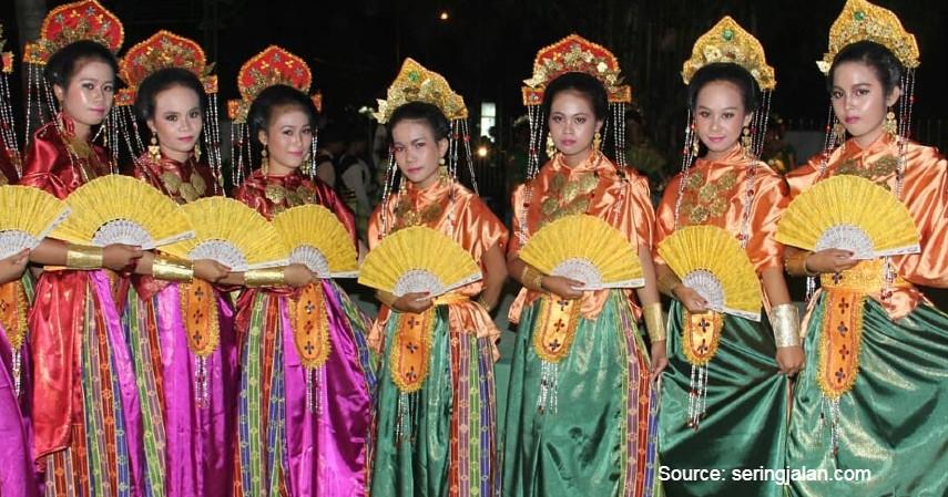 Tari Pajoge -11 Kesenian Tradisional Sulawesi Selatan yang Membanggakan, Patut Dilestarikan! (1).jpg