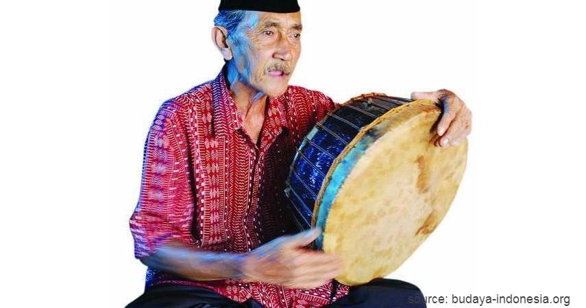 Alat Musik Terbang Lamut - 20 Kesenian Tradisional Kalimantan Selatan