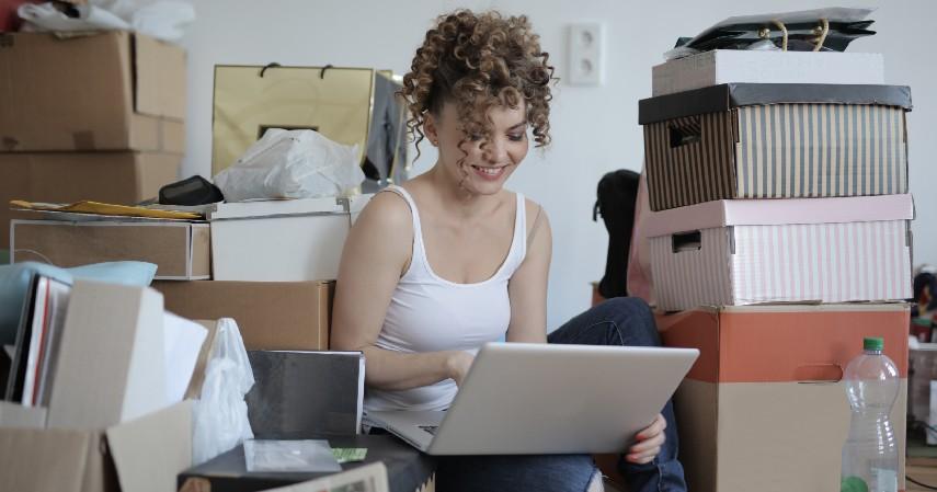 Beli Perabotan di Toko Online - Tips Menghias Kamar Kos Bergaya Estetik Biaya Irit