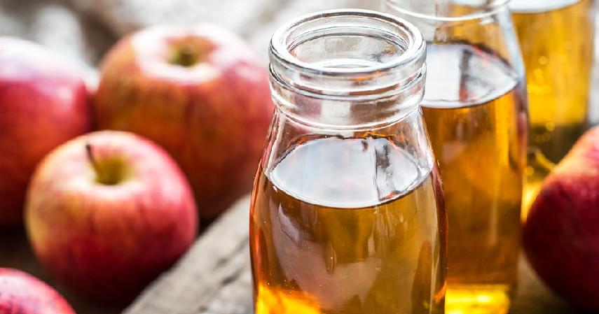 Berkumur dengan cuka apel - 7 Cara Mengatasi Bau Mulut Secara Alami Bikin Percaya Diri Kembali Meningkat