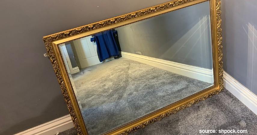 8 Cermin Hias Ruang Tamu yang Estetik, Bikin Ruangan Ini Tampak Menawan