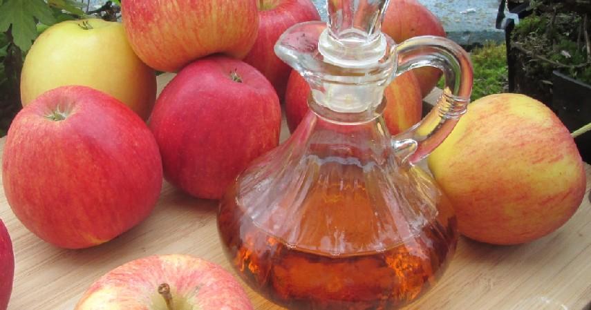 Cuka Apel - 7 Cara Memutihkan Gigi Secara Alami Gak Pake Mahal