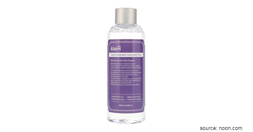 Gunakan hydrating toner - Urutan Skincare Terbaik untuk Jerawat yang Bikin Wajah Mulus