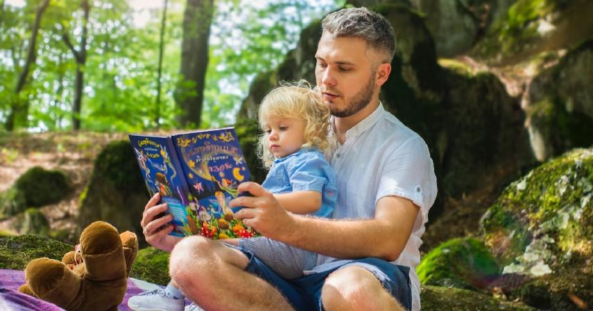 Hentikan Kesibukan Sementara Waktu - 8 Cara Mengatasi Anak Tantrum yang Perlu Diketahui Orangtua