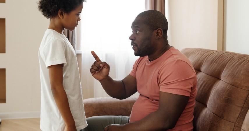 Jangan Pernah Memukul Anak - 8 Cara Mengatasi Anak Tantrum yang Perlu Diketahui Orangtua