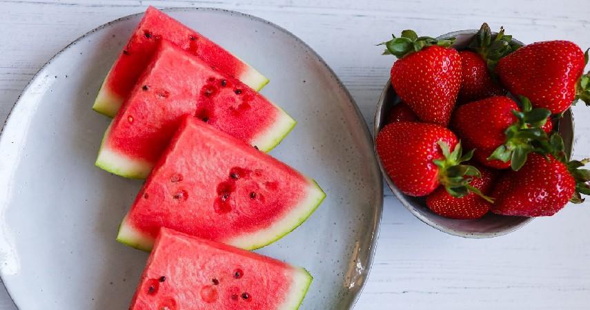 Jus Semangka Strawberry dan Mentimun - 8 Jus untuk Diet ini Lezat dan Kaya Akan Nutrisi