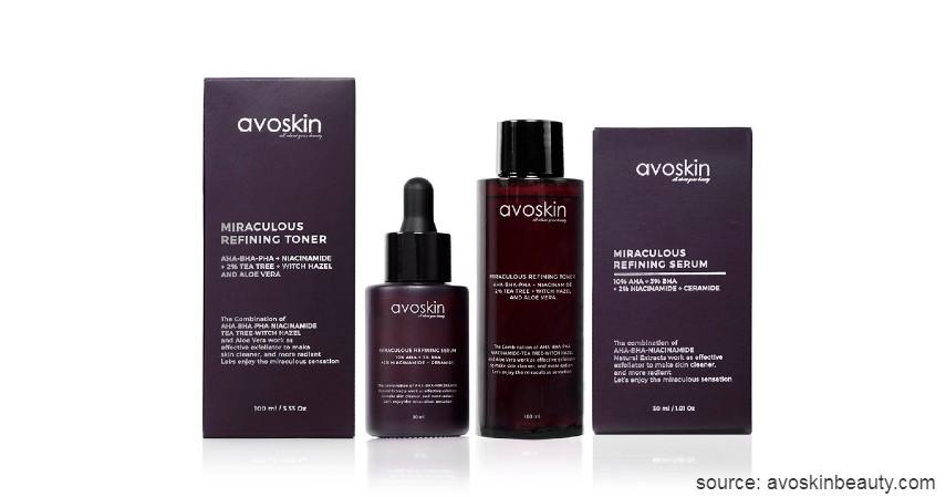 Lakukan eksfoliasi - Urutan Skincare Terbaik untuk Jerawat yang Bikin Wajah Mulus