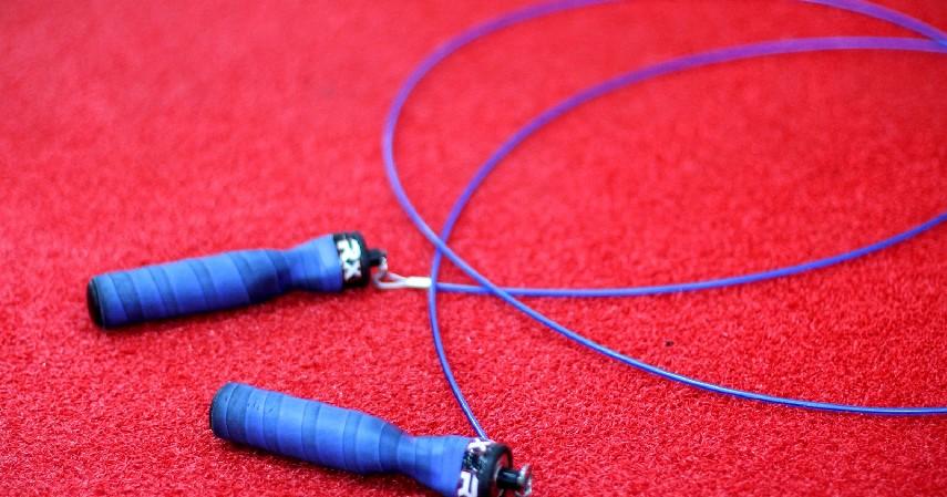 Lompat Tali - 12 Cara Mengecilkan Paha dan Betis yang Mudah dan Menyehatkan