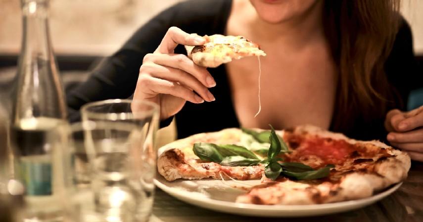 Makan Lebih Sering - 10 Cara Menaikan Berat Badan dengan Cepat dan Efektif