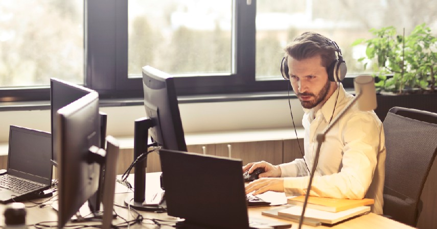 Memberikan pelayanan yang berkualitas - 9 Cara Mengembangkan Bisnis Online yang Wajib Dilakukan Pebisnis