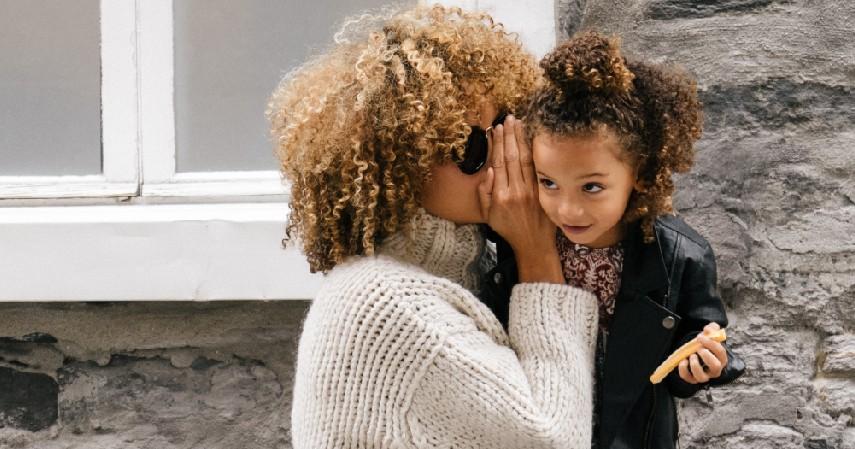 Membohongi anak - 5 Kesalahan dalam Mendidik Anak yang Perlu Dihindari