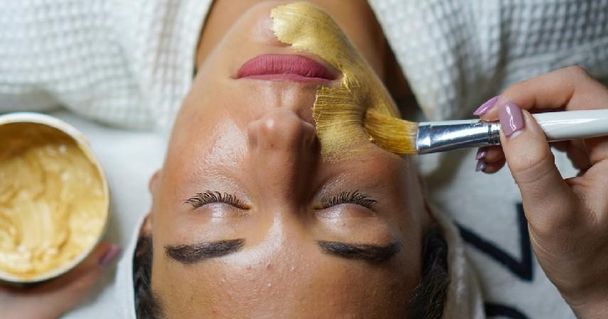 13 Cara Mengecilkan Pori-pori Wajah secara Alami ini Aman Digunakan!
