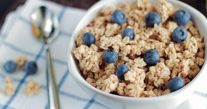 Mengkonsumsi Makanan Sehat - 7 Cara Mengobati Diabetes Secara Alami Mudah Banget
