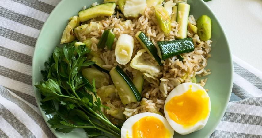 Menjaga Pola Makan Sehat - 12 Cara Mengecilkan Paha dan Betis yang Mudah dan Menyehatkan