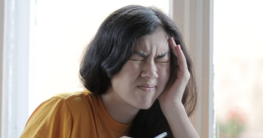 Migrain - Kenali Jenis Sakit Kepala Berdasarkan Penyebab dan Cara Mengobati