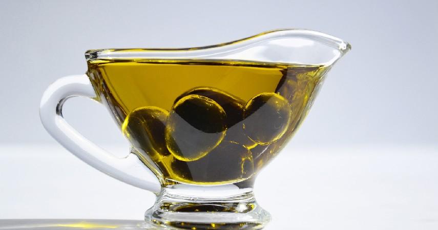 Minyak Zaitun - 14 Cara Menghilangkan Bekas Luka Ampuh Secara Alami