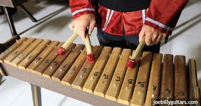 Musik Kolintang - Kesenian Tradisional Sulawesi Utara