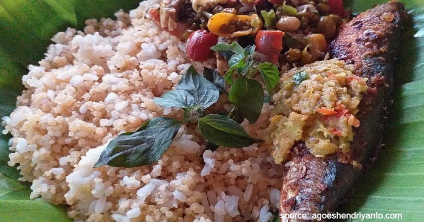 Nasi Tiwul - 10 Makanan Tradisional Indonesia Ini Jarang Ditemukan