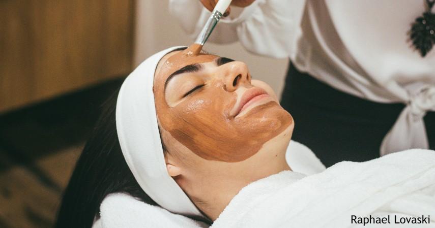 Perawatan Wajah dengan Masker