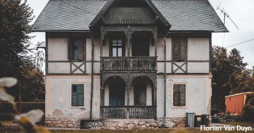 Perhatikan Usia Bangunan