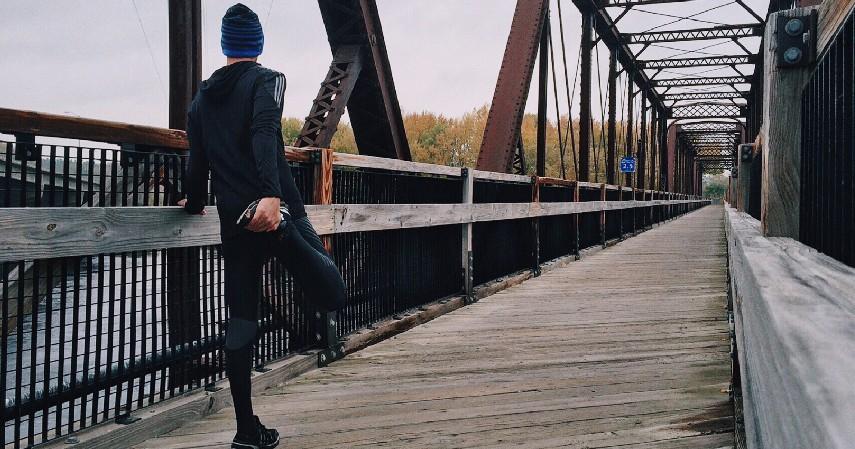 Rutin Olahraga - 12 Cara Menghilangkan Bau Badan Paling Efektif Mudah dan Cepat