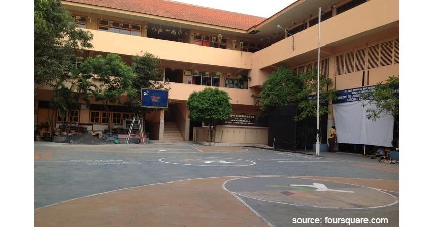 SMP Negeri 6 Surabaya - 6 Daftar SMP Negeri Terbaik di Surabaya Ini Unggul di Semua Bidang