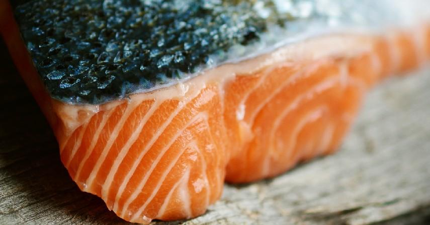 Salmon - 12 Makanan Pencegah Uban Ini Akan Melindungi Warna Asli Rambutmu