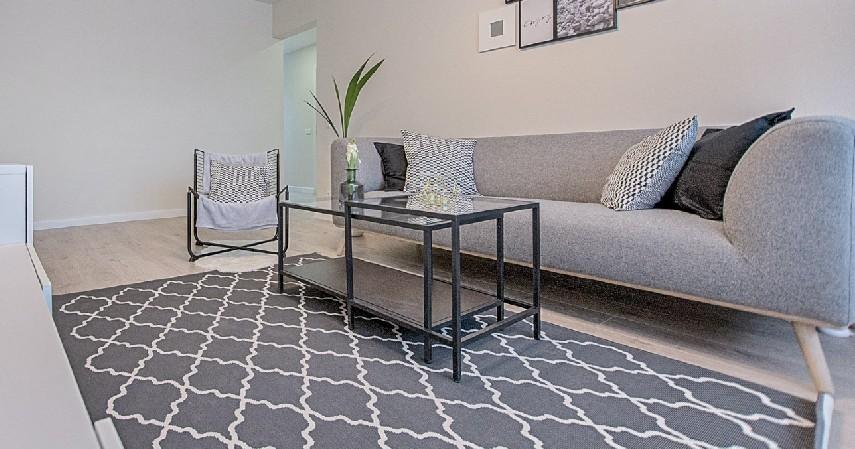 Sofa Minimalis Modern - 15 Ide Sofa Ruang Tamu Sempit yang Harganya Gak Bikin Mengernyit