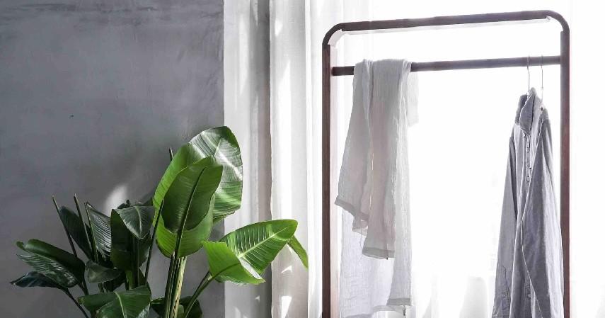 Standing Hanger - 15 Kerajinan dari Kayu Paling Kreatif Unik dan Estetik