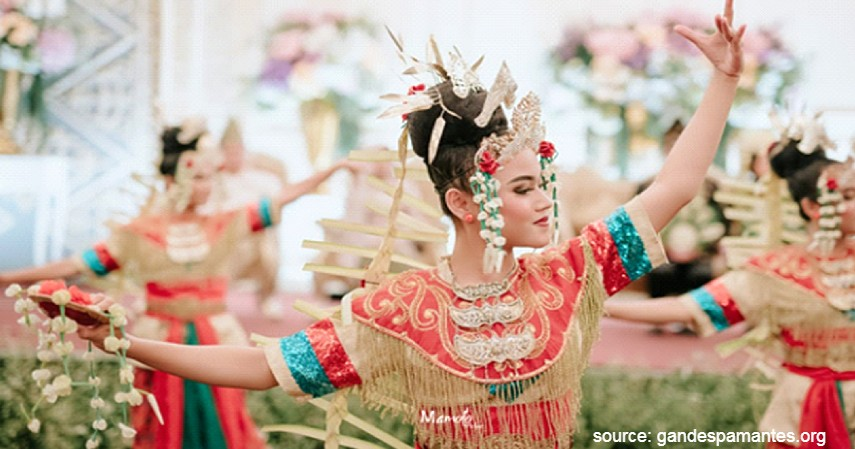 Tari Baksa Kembang - 20 Kesenian Tradisional Kalimantan Selatan