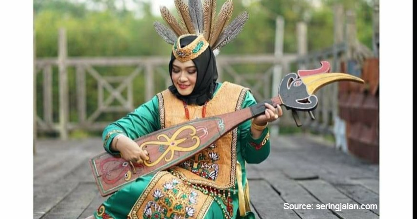 Tari Hugo dan Huda - 12 Kesenian Tradisional Kalimantan Tengah Terlengkap