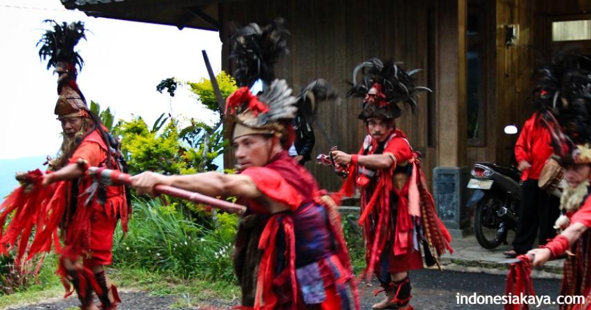 Tari Kabasaran - Kesenian Tradisional Sulawesi Utara
