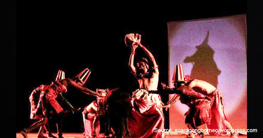 Tari Kayau - 12 Kesenian Tradisional Kalimantan Tengah Terlengkap