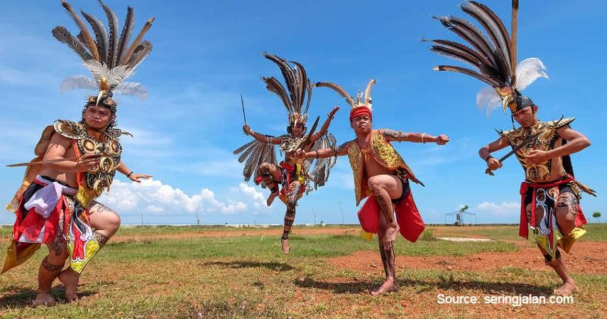 Tari Kinyah Mandau - 12 Kesenian Tradisional Kalimantan Tengah Terlengkap
