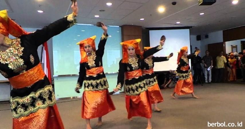 Tari Tempurung - Kesenian Tradisional Sulawesi Utara
