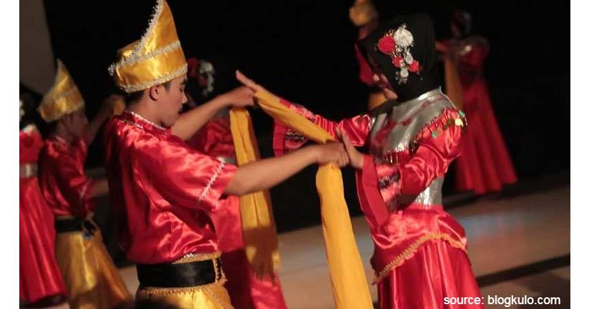 Tari Tirik Lalan - 20 Kesenian Tradisional Kalimantan Selatan