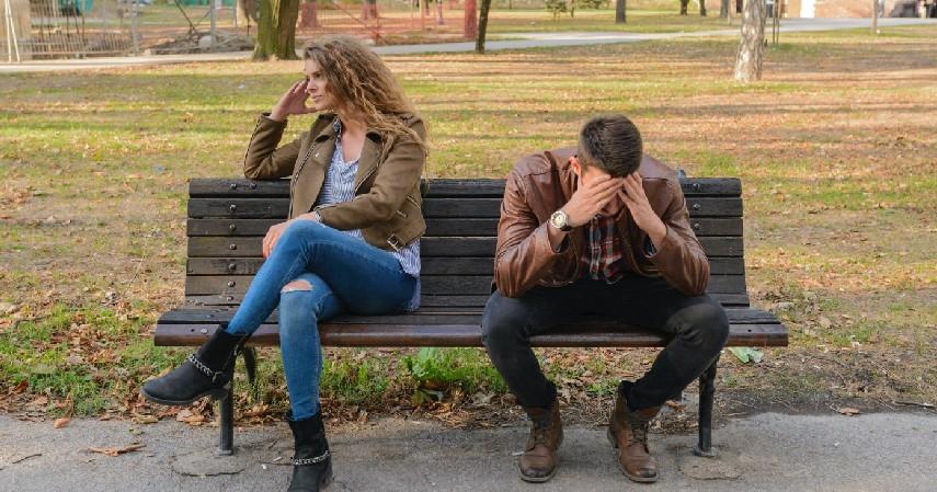 9 Ciri Toxic Relationship