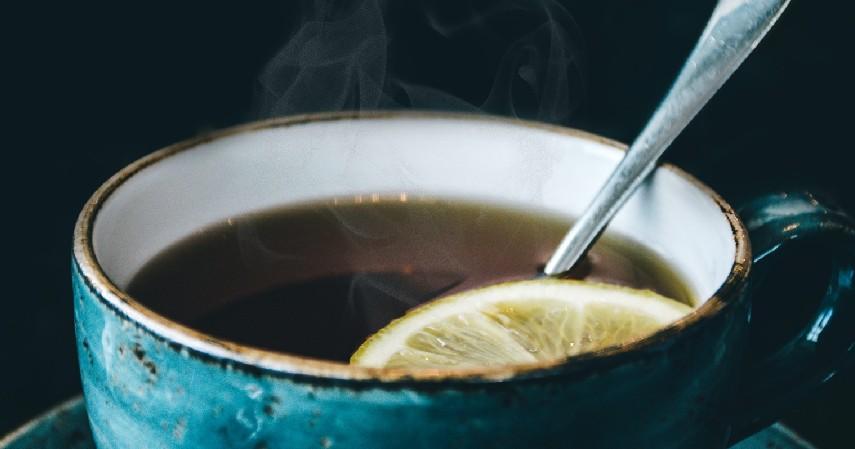 Minum Air Hangat - Ini Cara Menghilangkan Cegukan yang Terbukti Efektivitasnya