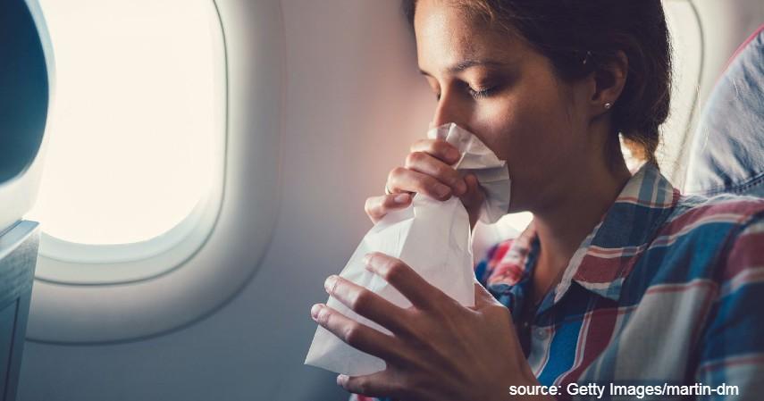 Napas Menggunakan Kertas atau Kantong Plastik - Ini Cara Menghilangkan Cegukan yang Terbukti Efektivitasnya