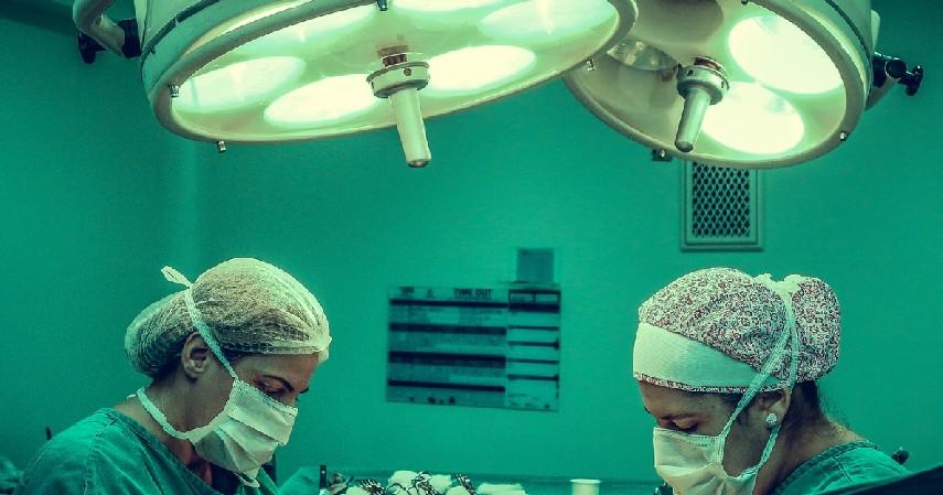 Pilih Klinik Kecil atau RSIA - Tips Melahirkan di Tengah Pandemi