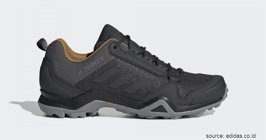 Adidas - Terrex AX3 - 10 Merk Sepatu Hiking Terbaik