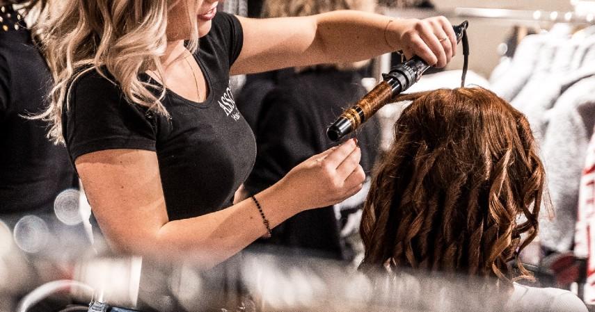 Buat Rambut Lebih Bervolume - 8 Cara Merawat Rambut Berminyak yang Tepat dan Paling Ampuh