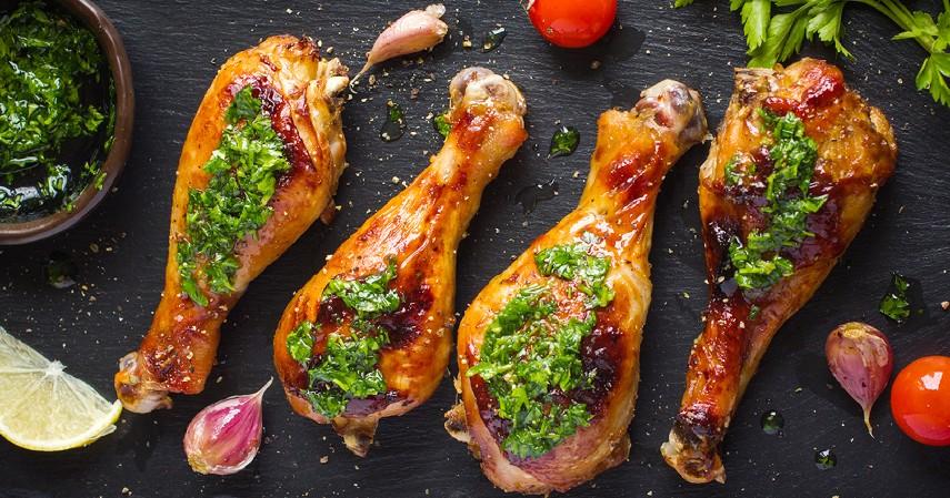 Daging Ayam Berlemak - 11 Makanan Tinggi Kolesterol yang Patut Dihindari