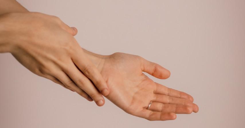 Efek samping - 5 Perbedaan Hand Sanitizer dan Disinfektan Jangan Keliru