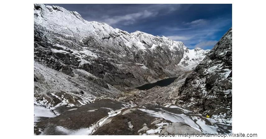 Gunung Ngga Pilimsit - 10 Gunung Tertinggi di Indonesia