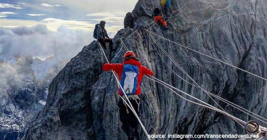 Gunung Puncak Jayawijaya - 10 Gunung Tertinggi di Indonesia